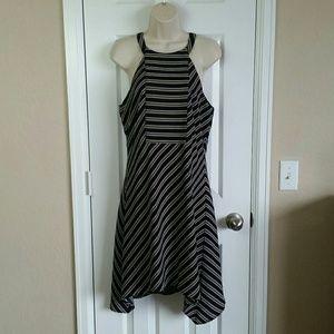 Pixley Stitch Fix M Striped Keyhole Halter Dress